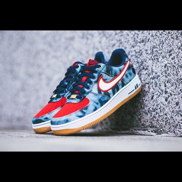 Nike Air Force 1 low denim acid wash. M 5bf77fa8409c153011252a30 267a2f1c37